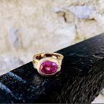Max--oval-bezel-modern-18k-gold-ring